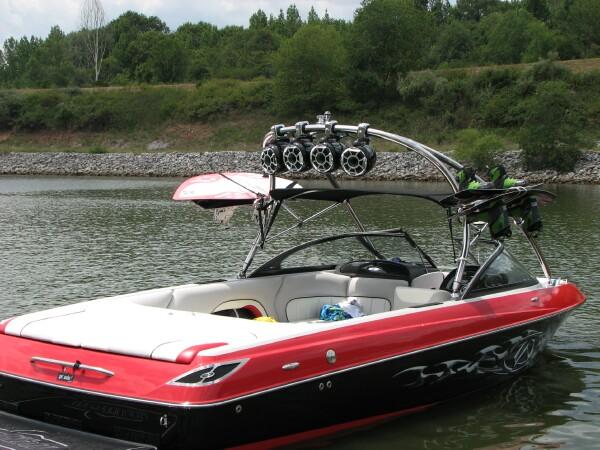 2007 LSV w wet sound tower speakers 029.jpg