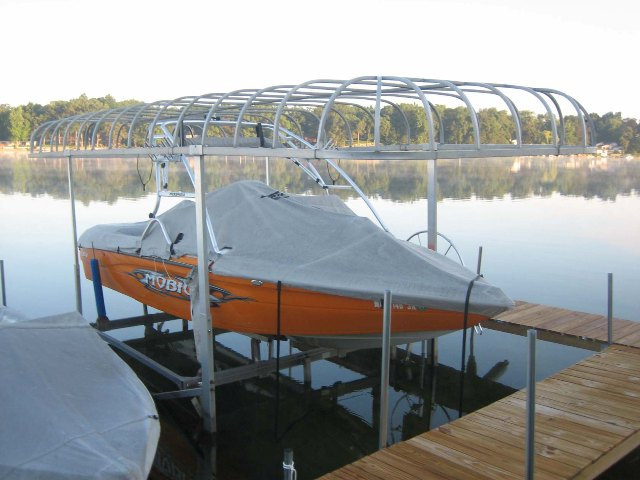 Boat and Lift.jpg  sc 1 st  Wakeboarder & Wakeboarder :: boat lift type