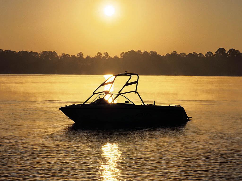 Wakeboard Boat  Shutterstock